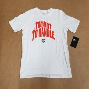 NIKE Boys Too Hot to Handle Crew Neck Graphic T-Shirt